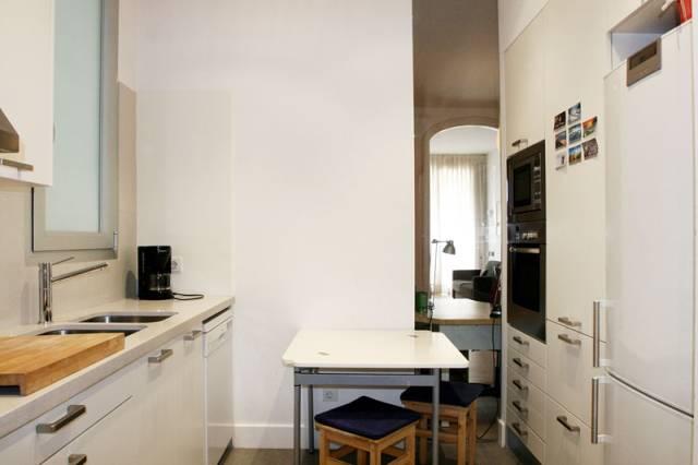 Appartamento con terrazza e 2 camere dopie eixample for Appartamenti barcellona affitto economici