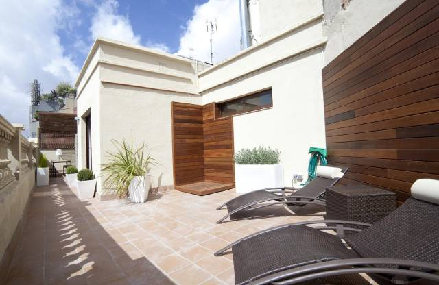 Penthouse plaza catalunya barcellona appartamenti for Appartamenti barcellona affitto annuale